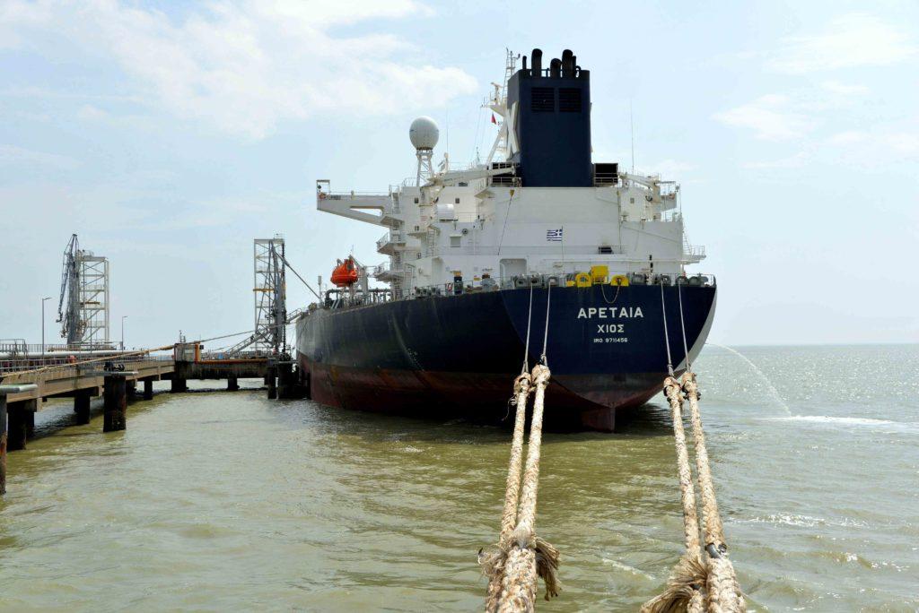 Les produits pétroliers pèsent 30% du trafic du GPM La Rochelle