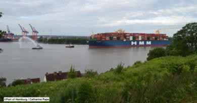L'approfondissement de l'Elbe permettra de recevoir ces navires avec plus d'efficacité