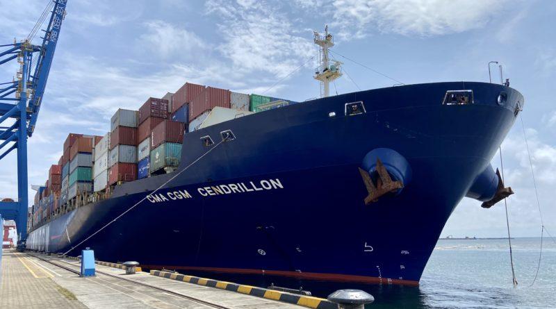 le CMA CGM Cendrillon au terminal à conteneurs de Kribi