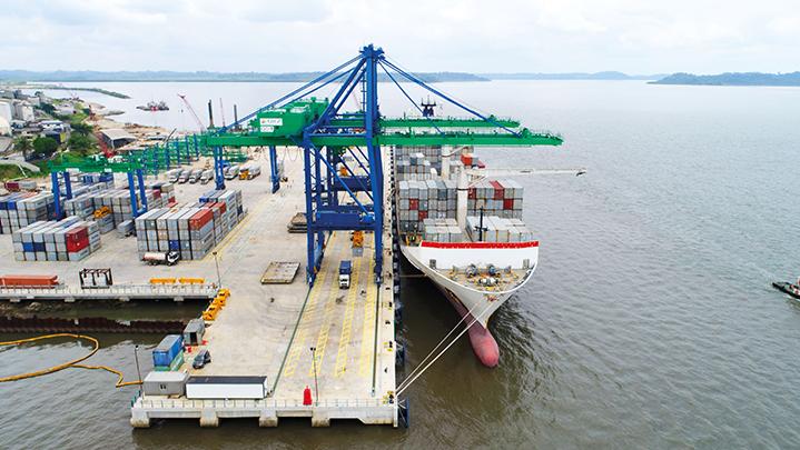 Port Owendo entre conteneurs et manganèse