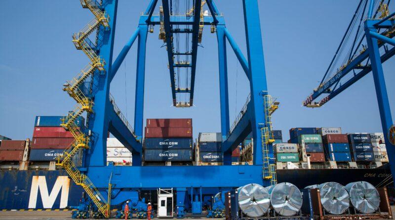 Une nouvelle grue mobile pour le port de Kribi