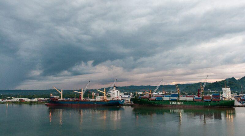 Port Guatemala Conteneur Santo tomas de Castilla